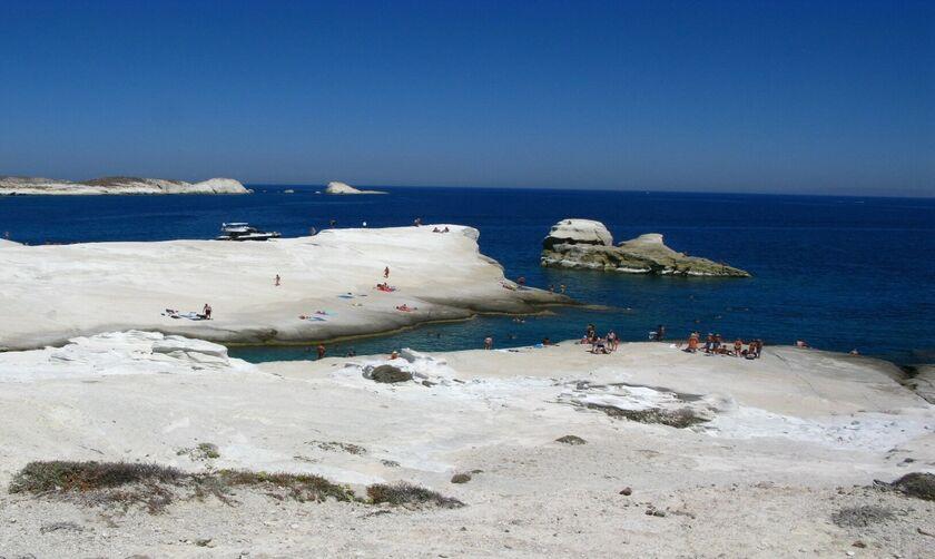 Φως στην Ελλάδα: Οι εξωτικές ελληνικές παραλίες που είχαν σχέση με πειρατές