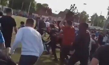 Γαλλία: Οπαδοί κάνουν «ντου» στο τέλος ενός παράνομου αγώνα ποδοσφαίρου! (vid, pic)