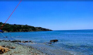 Φως στην Ελλάδα: Θυμάρι, η παραλία με τα γαλαζοπράσινα νερά μία ώρα από την Αθήνα