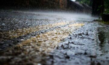 Καιρός: Βροχές, καταιγίδες αλλά και ηλιοφάνεια - Θερμοκρασία σε μικρή άνοδο
