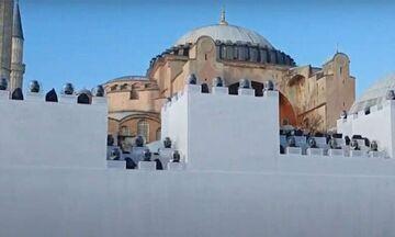 Τουρκική πρόκληση: Έστησαν τείχος έξω από την Αγία Σοφία-Για την επέτειο της Άλωσης