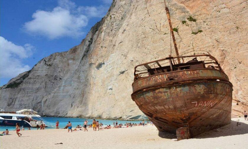 Φως στην Ελλάδα: Η διάσημη παραλία του Ναυαγίου και η ιστορία του ονόματός της