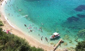 Φως στην Ελλάδα: 5 ελληνικές εξωτικές παραλίες που μπορείς να πας χωρίς πλοίο