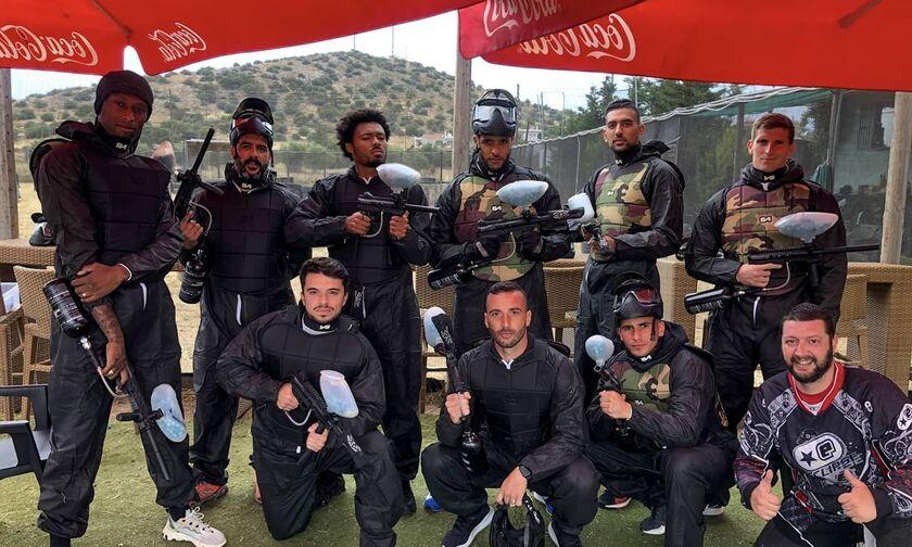 Οι παίκτες του Ολυμπιακού πήραν τα… όπλα τους (pics)