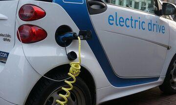 Ηλεκτρικά αυτοκίνητα: Επιδότηση, οικολογικό μπόνους, φοροαπαλλαγές ανακοίνωσε ο πρωθυπουργός