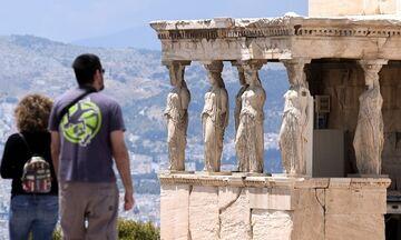 Λοιμωξιολόγος: Εκτίμηση για 6.000 - 10.000 ασυμπτωματικούς τουρίστες στην Ελλάδα το καλοκαίρι!