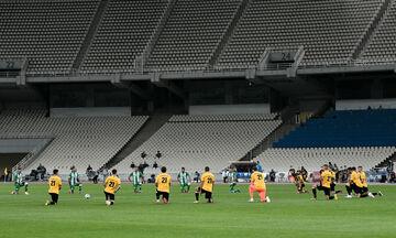 ΑΕΚ - Παναθηναϊκός: Γονάτισαν στη σέντρα οι παίκτες πριν την έναρξη στη μνήμη του Φλόιντ (pics-vid)