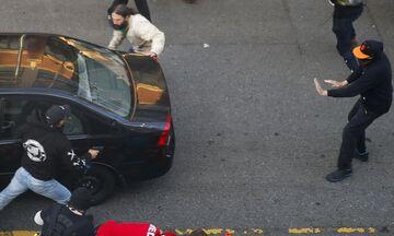 Τζορτζ Φλόιντ: Οδηγός έριξε αυτοκίνητο σε πλήθος διαδηλωτών και πυροβόλησε έναν εξ αυτών (vid)