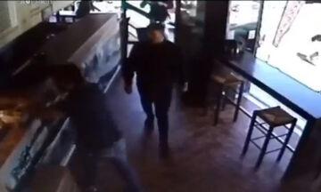 Η Θύρα 13 καταγγέλλει, με video, επίθεση Γιαννακόπουλου σε κατάστημα μέλους της