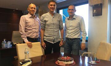 Επί τάπητος ο σχεδιασμός στον Ολυμπιακό με τούρτα γενεθλίων στον Μπαρτζώκα!