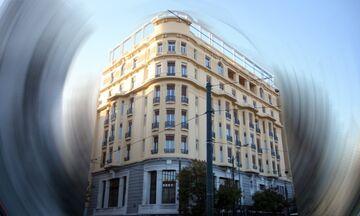 Κάτι... τρέχει στην Πατησίων -Τι γίνεται στο Acropole Palace -Το διάσημο πλάνο από τα μπαλκόνια του