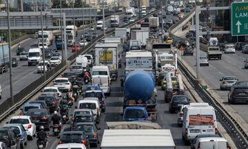 Ο «μεγάλος περίπατος» έφερε μποτιλιάρισμα στους δρόμους της Αθήνας (vid)