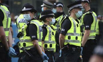Βρετανία: Τρεις νεκροί και δύο άνθρωποι στο νοσοκομείο μετά από επίθεση σε αντιρατσιστική εκδήλωση