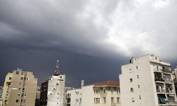 Καιρός: Άστατος με τοπικές βροχές - Πέφτει η θερμοκρασία