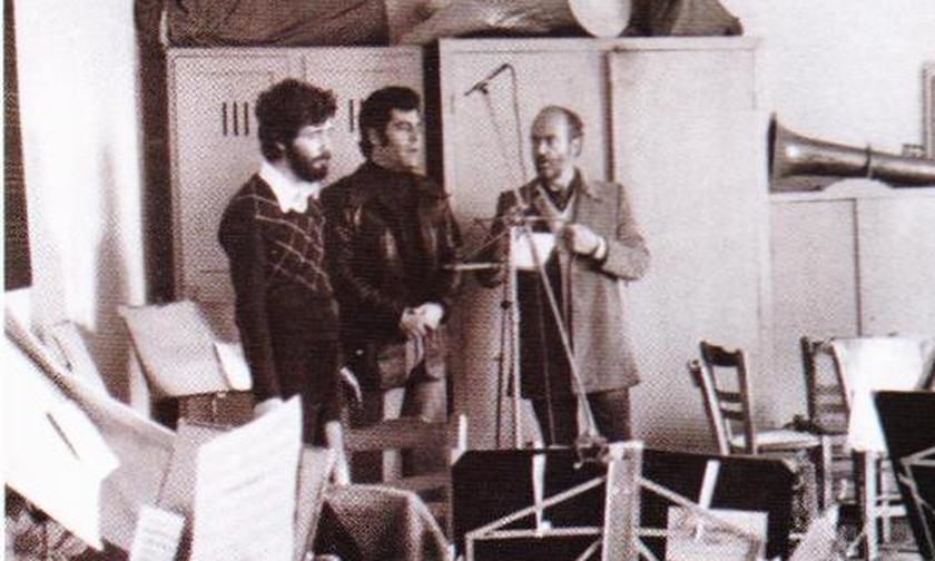Τα τραγούδια έχουν Ιστορία: «Αυτή που μ' έχει κάψει» - Ο Διονυσίου τραγουδά μέσα από τη φυλακή (vid)