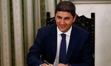 Πέρασε στη Βουλή η τροπολογία Αυγενάκη - Τι αναφέρει το άρθρο για τα κωλύματα παραγόντων