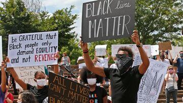 """ΝΒΑ: Το μήνυμα """"Black Live Matter"""" στα παρκέ της επανέναρξης στο Ορλάντο"""