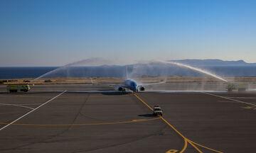Με αψίδες νερού η υποδοχή της πρώτης πτήσης από το εξωτερικό  (pics)