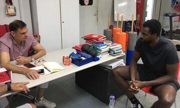 Ολυμπιακός: Στο ΣΕΦ ο Ζαν-Σαρλ - Συναντήθηκε με Μπαρτζώκα και Σπανούλη (pics)