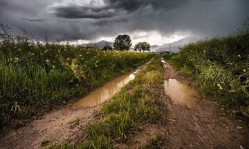 Καιρός: Έκτακτο δελτίο επιδείνωσης με βροχές και χαλαζοπτώσεις
