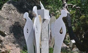 «Το μπουκάλι που ήρθε από τ' αστέρια»: Έκθεση του εικαστικού Αντώνη Πολιτάκη