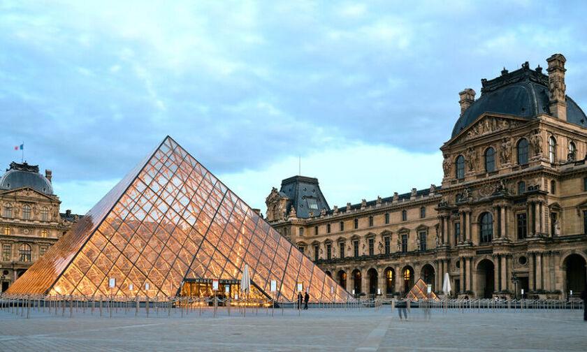 Παρίσι: Ανοίγει ξανά το μουσείο του Λούβρου