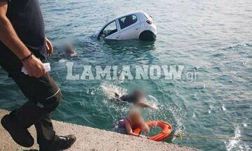 Aρκίτσα: Zευγάρι έπεσε στη θάλασσα με το αυτοκίνητό του! (pics)