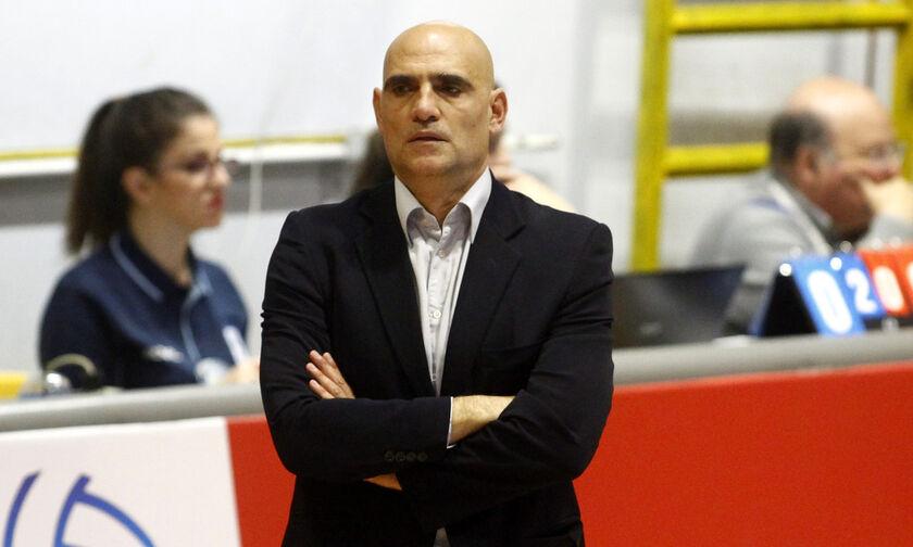 Επίσημο: Ο Αρσενιάδης στην ομάδα γυναικών της ΑΕΚ