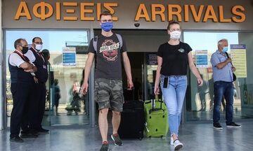 Ελλάδα: Έφτασε η πρώτη πτήση στην Κέρκυρα από τη Βρετανία