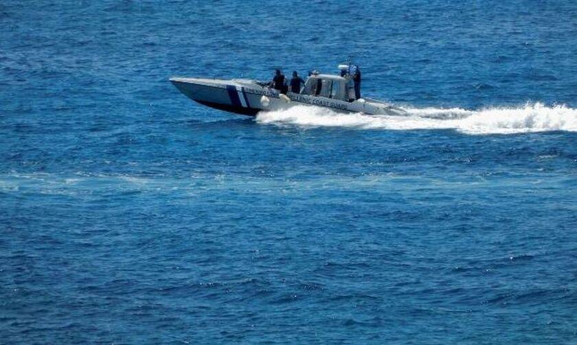 Εξαρθρώθηκε σπείρα που φυγάδευε μετανάστες στην Ιταλία