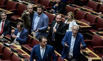 Μάρκου σε Κωνσταντινόπουλο: «Έχετε την... ανοιχτή, να» - Αποβλήθηκε από τη Βουλή - Δείτε βίντεο