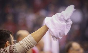 Η λευκή πετσέτα της ΚΑΕ για Σλούκα και το μήνυμα στον θαυμαστή του