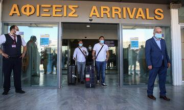 Ο Χαρδαλιάς ανακοίνωσε αλλαγές για ταξιδιώτες που φτάνουν αεροπορικώς από Βουλγαρία, Ρουμανία