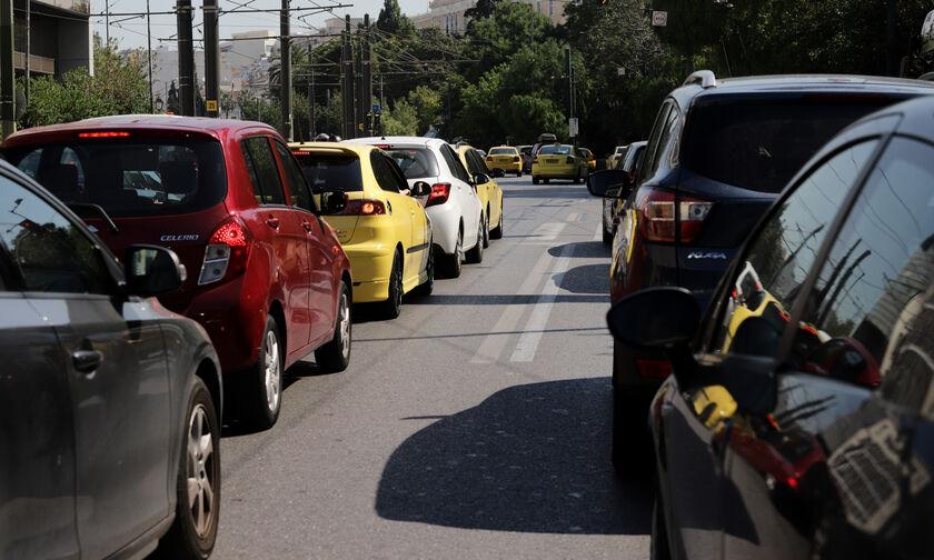 ΥΠΕΝ: Τα δέκα βήματα για την αίτηση επιδότησης αγοράς ηλεκτρικού οχήματος