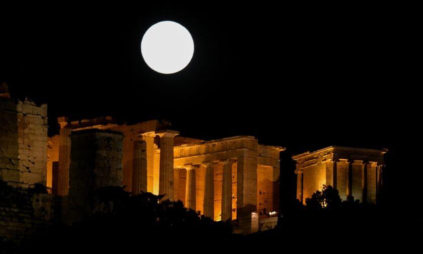 Αυγουστιάτικη Πανσέληνος: Δωρεάν σε 77 αρχαιολογικούς χώρους και μουσεία απόψε