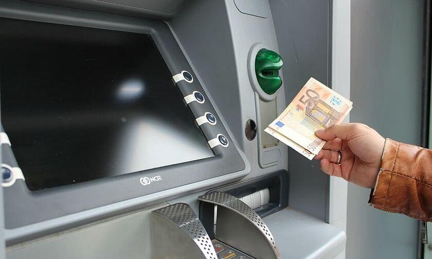 Τράπεζες: Νέα μέτρα λόγω κορονοϊού - Ποιες συναλλαγές «κόβονται» από τα ταμεία