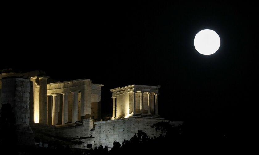 Αυγουστιάτικη πανσέληνος: Δείτε το μοναδικό θέαμα - Γιατί ονομάστηκε «φεγγάρι του Οξύρρυγχου»