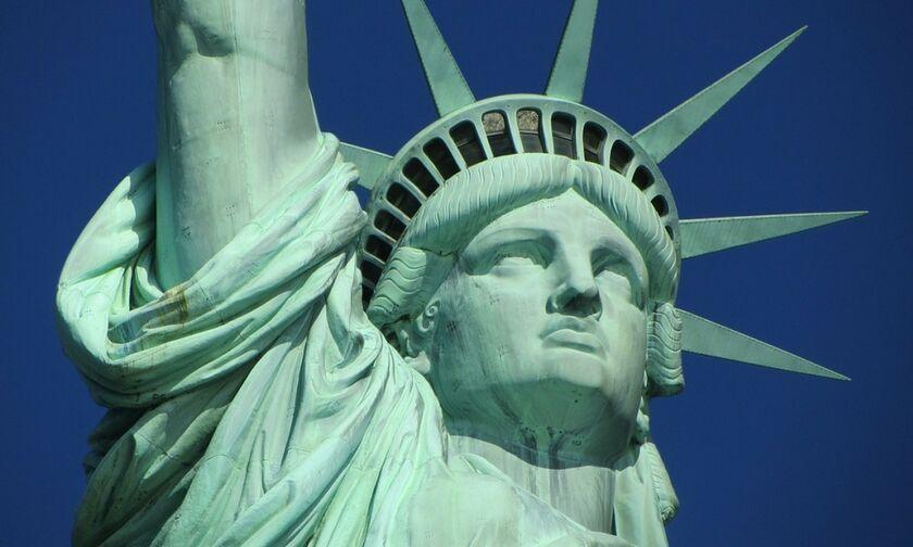 Άγαλμα της Ελευθερίας: Το ποίημα για τον Κολοσσό της Ρόδου, στη βάση του