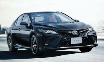 Επετειακό και κατάμαυρο Toyota Camry Black Edition