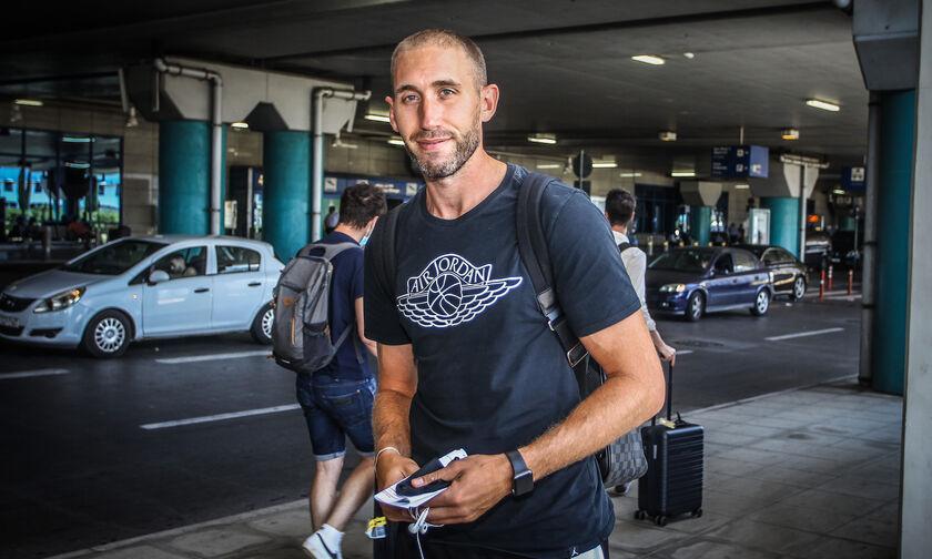AEK: Ήρθε στην Αθήνα ο Λοτζέσκι - Στα χνάρια του Κόμαζετς (pics)