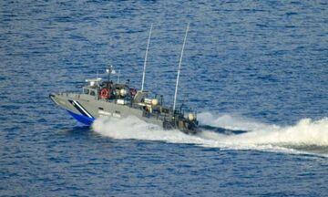 Καταδίωξη ύποπτης θαλαμηγού στη Ρόδο - Επιχείρησε να εμβολίσει σκάφος του Λιμενικού