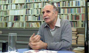 Χριστιανόπουλος: Ο «στριμμένος» ποιητής, τα βραβεία και γιατί τα... είχε με τον Διονύση Σαββόπουλο