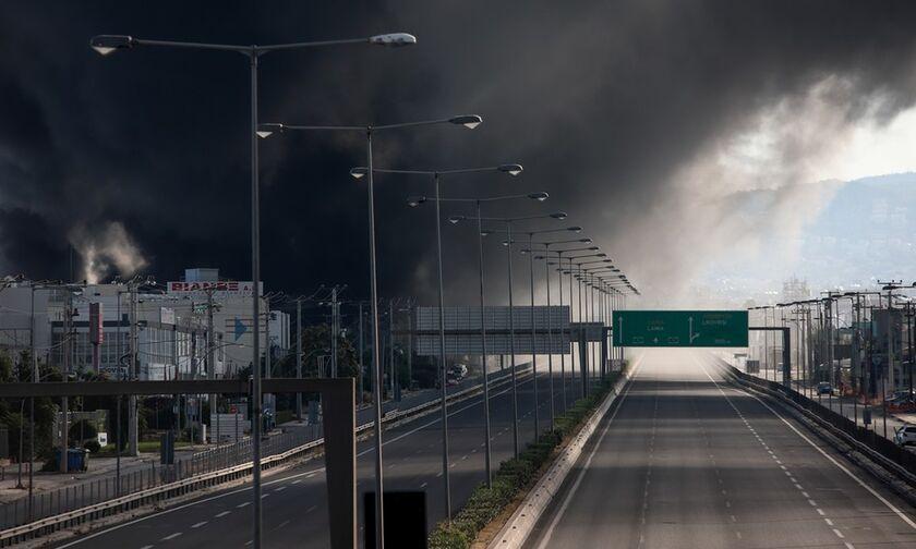 Η φωτιά που σκοτείνιασε την Αττική και «μπλόκαρε» την Αθηνών - Λαμίας (pics)