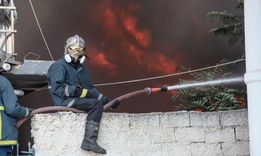 Φωτιά στην Αττική - Συστάσεις από την Περιφέρεια: Ερμητικά κλειστά πόρτες, παράθυρα