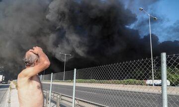 Ελικόπτερα στη φωτιά στη Μεταμόρφωση. Εκτροπή από Αττική Οδό - Ελεύθερα τα διόδια