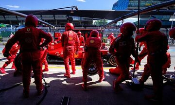 «Μπηχτές» Φέτελ για το μονοθέσιο της Ferrari: «Δεν μπορώ να εξηγήσω κάποια πράγματα»