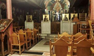 Παράταση των περιοριστικών μέτρων στις εκκλησίες