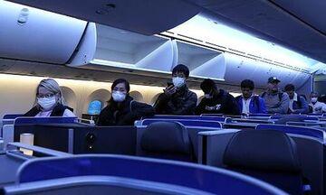 Κορονοϊός: Επτά τουρίστες θετικοί, χωρίς μάσκα, σε 4,5 ώρες πτήση μαζί με 95 άτομα. Πόσοι μολύνθηκαν