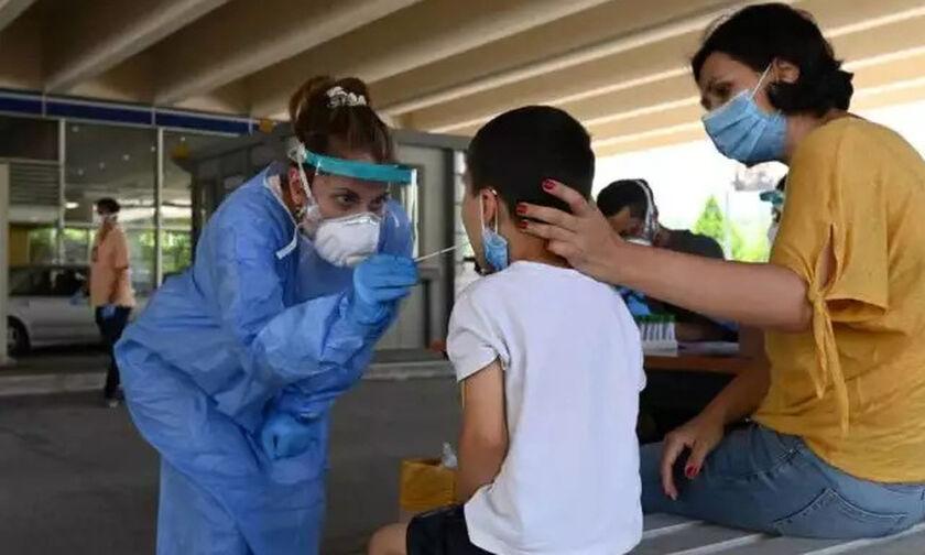 Μόνιμο ιατρικό κλιμάκιο στο λιμάνι του Πειραιά για τεστ COVID