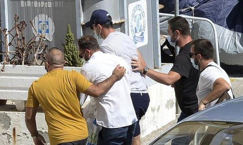 Μαγκουάιρ: Έφτασε στον εισαγγελέα της Σύρου ο αρχηγός της Μάντσεστερ για απολογία (vid)